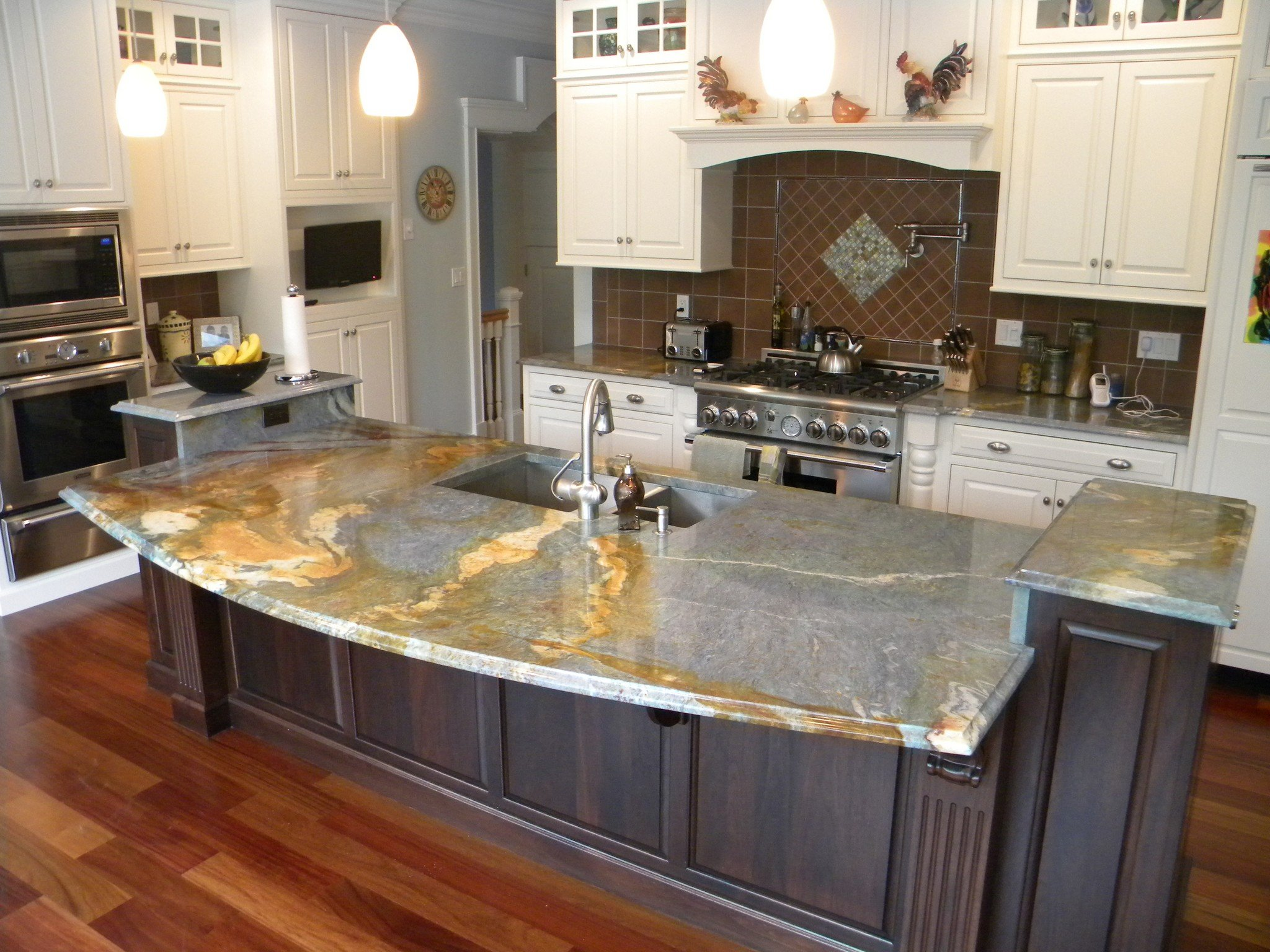 3 THINGS TO KNOW WHEN SELECTING A GRANITE COUNTERTOP.  Granitte_selection_in_chicago