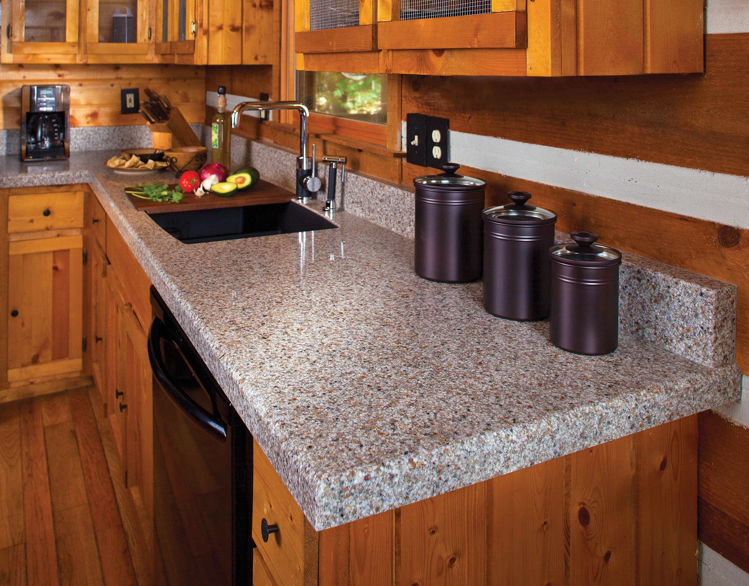 HOW THICK SHOULD YOUR GRANITE COUNTERTOP BE?  Thick_granite_selection_countertop_chicago