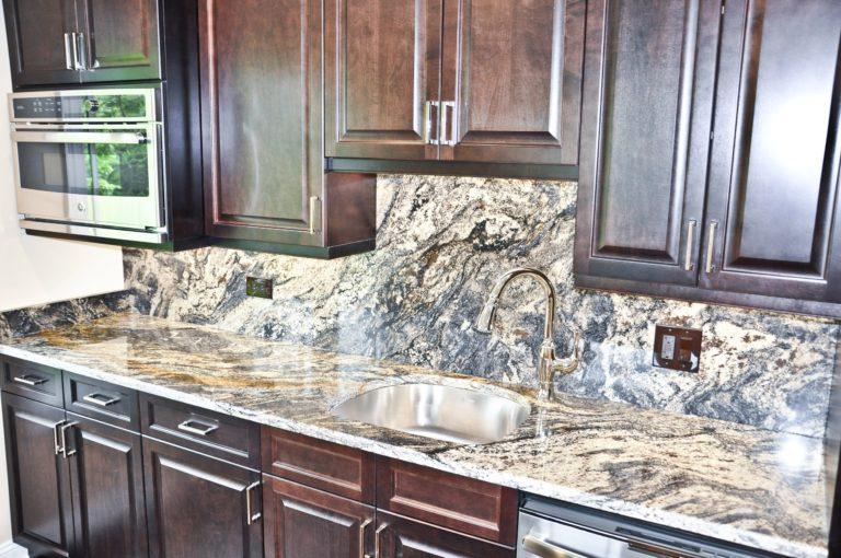 kitchen-countertop-in-northfield-il-granite-selection-img_01a1644505ba7034_14-6093-1-a187d8b-min