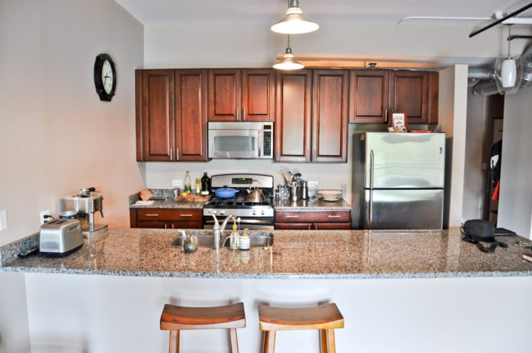 new-kitchen-in-park-ridge-il-granite-selection-img_3ae1f75b05ba7898_14-6158-1-a9b4139-min-1