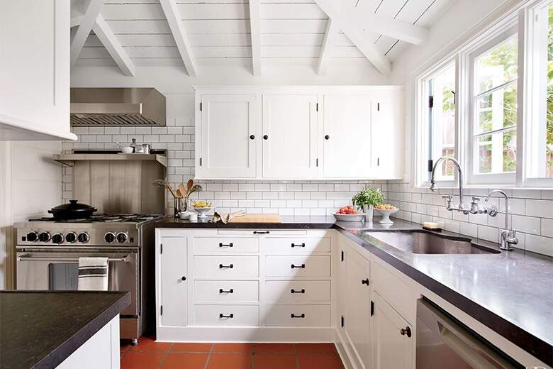 8 Ways to use black countertops in your kitchen design ...