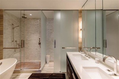 hilary-swank-apartment-bathroom-inline-today-150719_0383848e12feecc18a562ab906c0dbba.today-inline-large