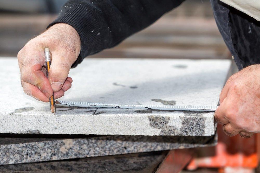 Cutting granite guide